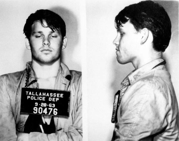 Sept. 28, 1963. Jim Morrison fue arrestado por estar borracho durante un partido de fútbol escolar