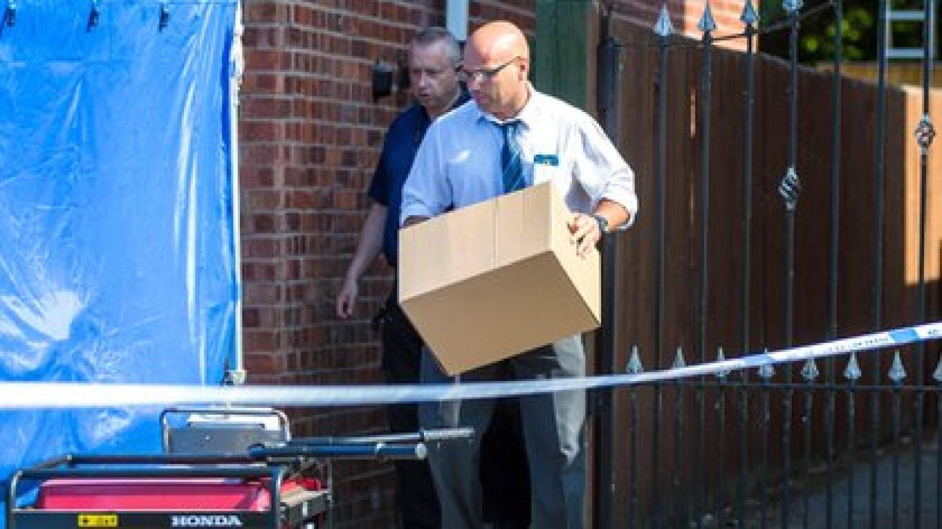 La policía registraba una casa en Westbourne Road en Chester, propiedad de Lucy Letby, una enfermera neonatal arrestada bajo sospecha de asesinar a ocho bebés e intentar matar a nueve más (Shutterstock)