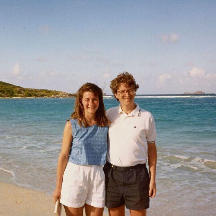 Melina y Bill Gates durante unas vacaciones en la playa (Foto: Instagram@melindafrenchgates)