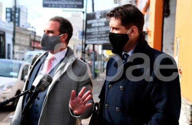 Alan Ruiz y su abogado Leandro Emsani (Maximiliano Luna)