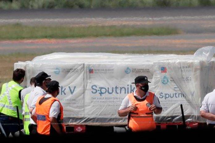 Rusia suministrará a Venezuela 10 millones de dosis de la vacuna Sputnik V (EFE/Juan Ignacio Roncoroni)