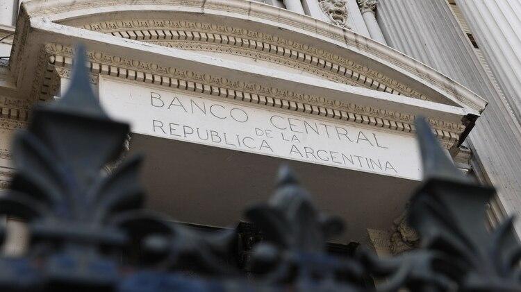 El Banco Central dejó flexibilizó la emisión por la aceleración de la inflación, de lo contrario la astringencia real de septiembre y octubre hubiese sido extrema (Maximiliano Luna)