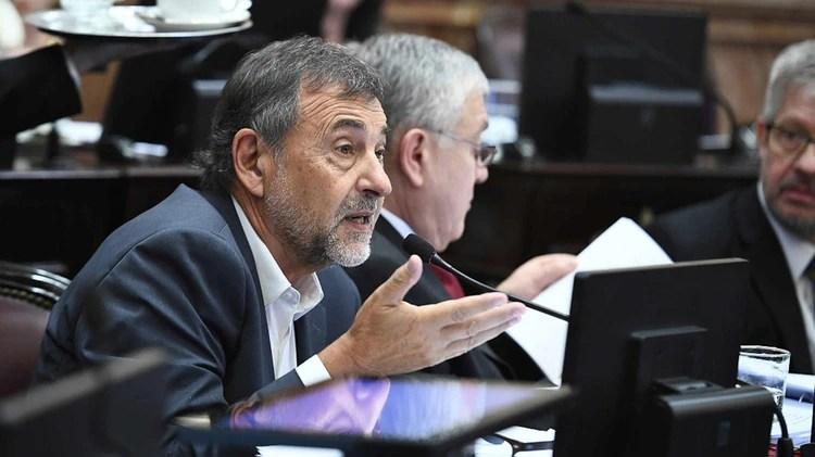 El cordobés Carlos Caserio, nuevo jefe del bloque del PJ, en el medio delas negociaciones