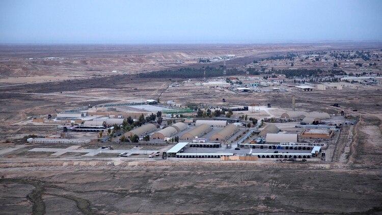La base militar Al Assad donde se albergan tropas estadounidenses (AP)
