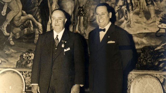 """Perón condecoró a su huésped con la Gran Medalla Peronista, que llevaba la inscripción """"Al Leal Amigo"""", y en reciprocidad recibió la más alta distinción nicaragüense: la Orden de Rubén Darío"""