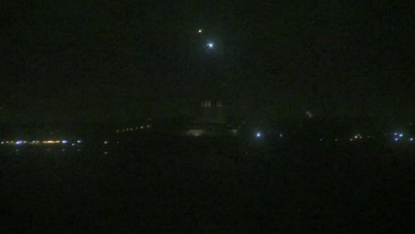 La Estatua de la Libertad, que normalmente se puede observar y apreciar su figura desde distintos lugares de Nueva York, estuvo casi a oscuras