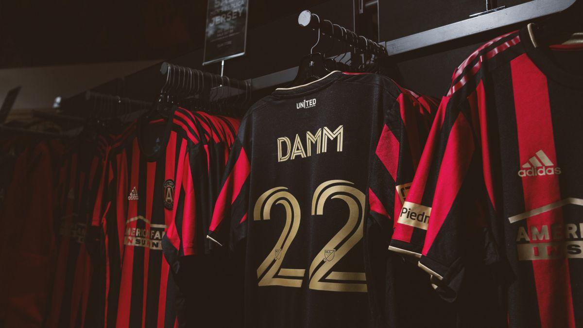 Damm no estará concentrado con el equipo en Orlando, Florida (Foto: Twitter/ @ATLUTD)
