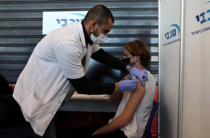 Israel cuenta con la campaña de vacunación más rápida de mundo (REUTERS/Ronen Zvulun)