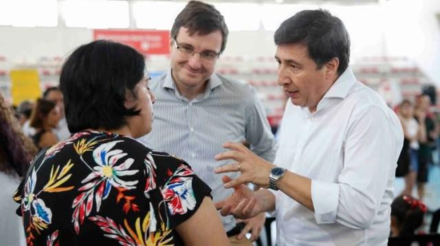 Daniel Arroyo, ministro de Desarrollo Social durante una entrega de tarjetas del Plan Alimentar