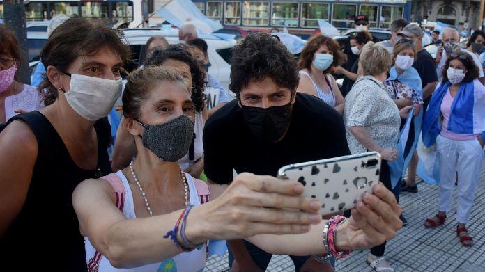 marcha contra la vacunacion vip - plaza de mayo