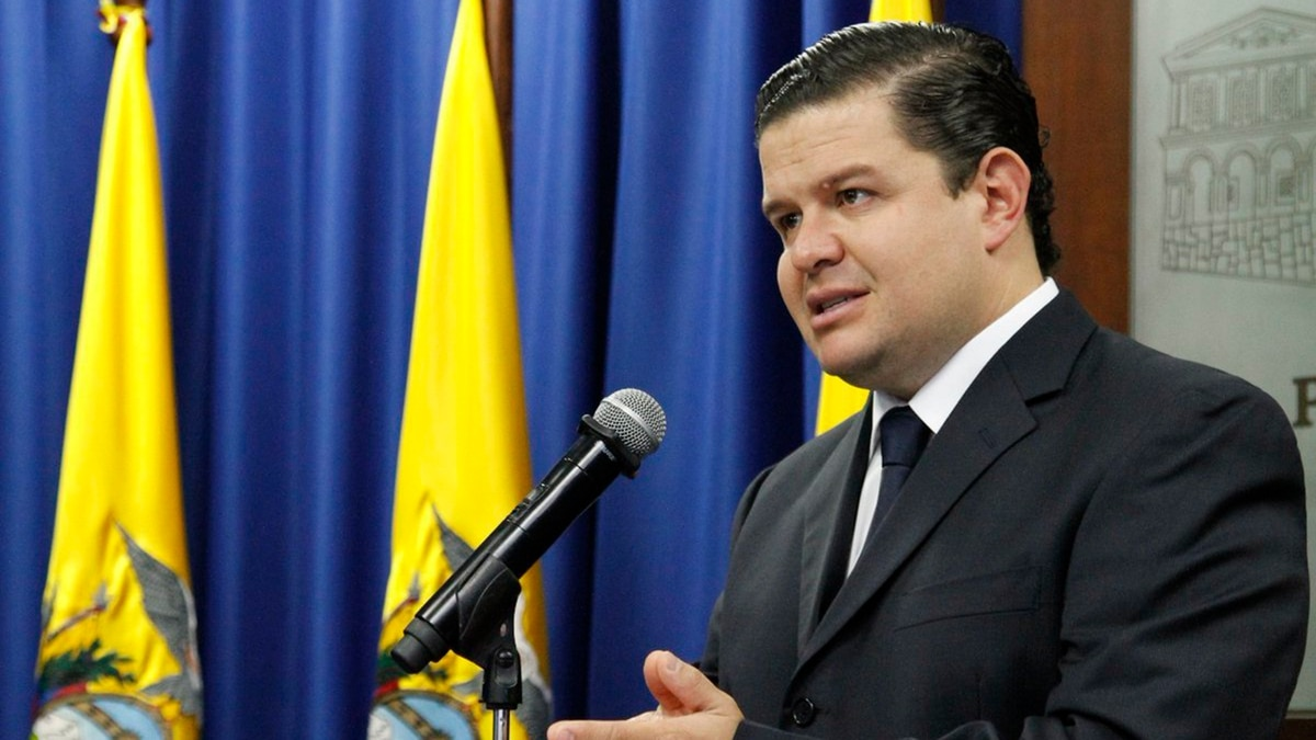 """El gobierno de Lenín Moreno acusó al """"correísmo organizado"""" de los saqueos: """"Quienes están haciendo eso querían llevar al Ecuador a Venezuela"""""""