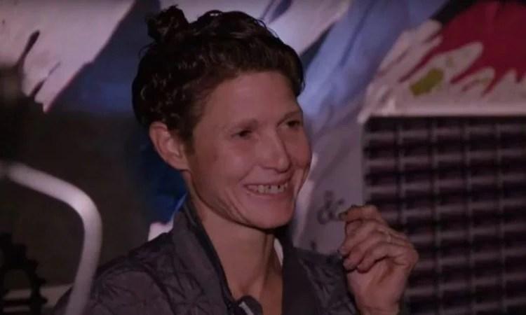 Lee se mantuvo en el anonimato hasta que fue descubierta por un equipo de periodistas holandeses entre los indigentes que ocupan los túneles de Las Vegas como hogar. (Foto: captura de pantalla)
