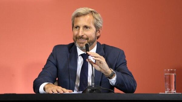 Frigerio enumeró los principales programas de su ministerio entre los desafíos
