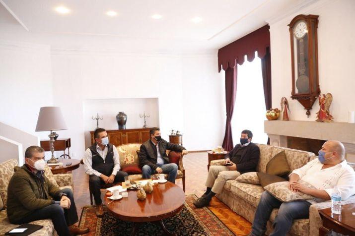 Gobernadores de la Alianza Federalista se reunieron este domingo para abordar temas relacionados con el abasto de medicamentos para atender la epidemia de COVID-19 (Foto: Twitter@Silvano_A)
