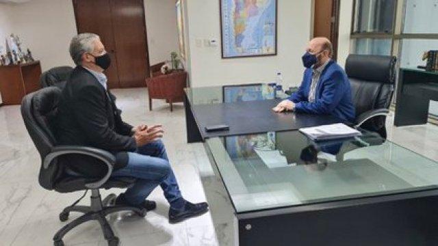 La reunión de Horacio Pietragalla y el gobernador de Formosa Gildo Insfrán.