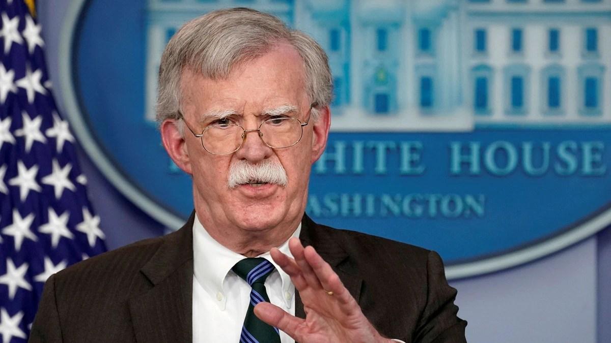 """John Bolton: """"Maduro y sus compinches deben aceptar la oferta de una salida antes de que se cierre la puerta"""""""