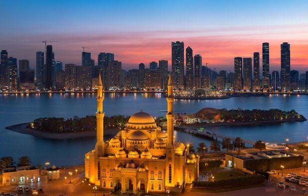 Abu Dhabi y Dubai son dos de los centros culturales más dinámicos del Golfo, pero este año, vale la pena explorar otra parte del país que se está convirtiendo silenciosamente en un destino artístico internacional