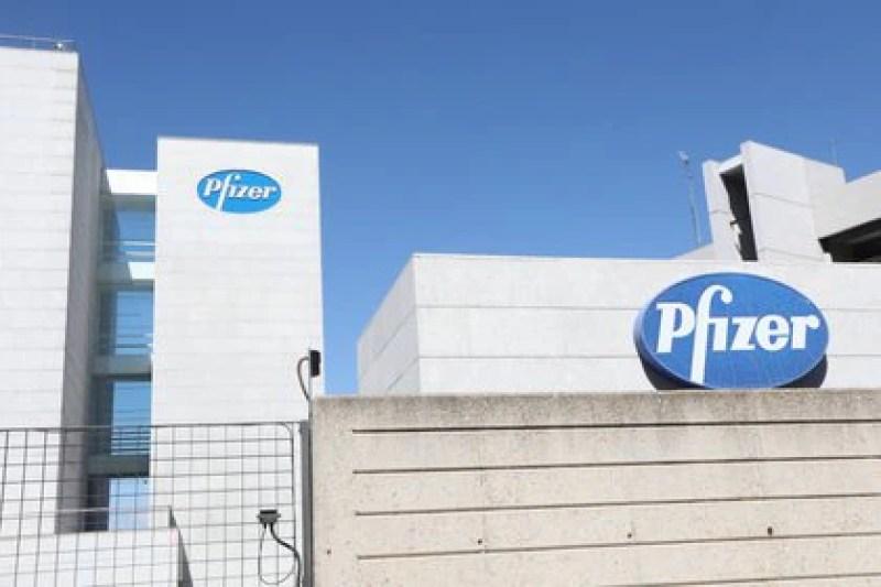 10/09/2020 Logo de Pfizer en el edificio de los laboratorios de la marca en Madrid (España). Foto: Europa Press.