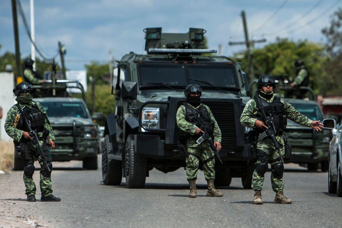 Tras el fallido operativo, el gobierno federal ha desplegado cientos de miembros de la Guardia Nacional en Culiacán (Foto: Cuartoscuro)