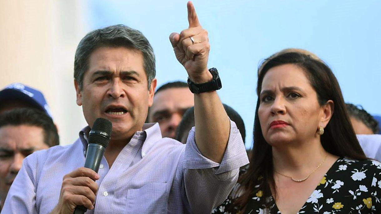 Juan Orlando Hernández (Photo by HO / AFP)