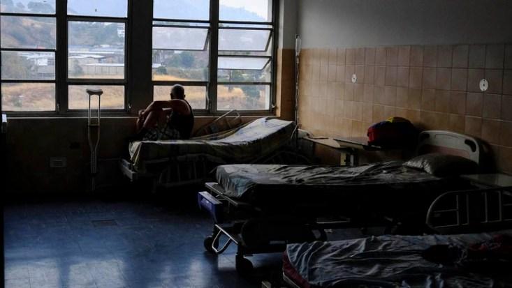 Venezuela lleva más de 60 horas sin luz: los hospitales, los principales afectados (AFP)