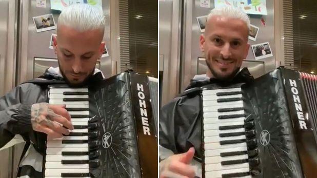 """Darío Benedetto tocó la canción """"Amor de chat"""" en el acordeón"""