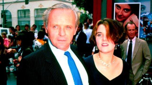 Anthony Hopkins y su hija Abigail Hopkins en 1991 (The Grosby Group)
