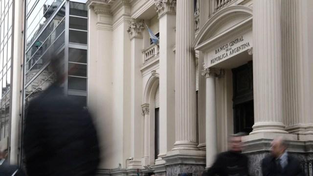 El Banco Central contuvo al dólar, pero para el mercado continuará la volatilidad