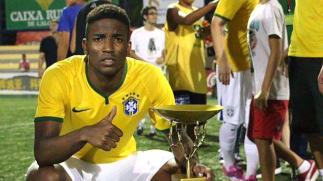 El futbolista integró la sub 20 de Brasil (@thallespenhaoficial09)