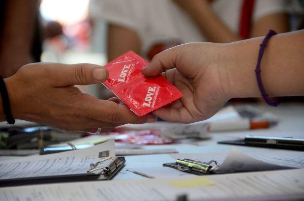 El uso del preservativo es fundamental para prevenir Infecciones de Transmisión Sexual (ITS) (Matías Arbotto)