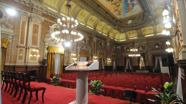 histórico Salón Dorado de la Casa de Gobierno provincial