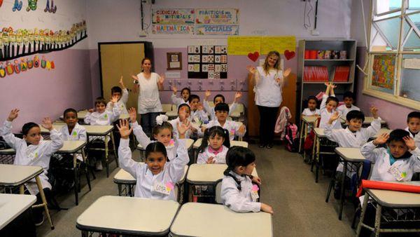 Escuelas primarias y secundarias, públicas y privadas de todo el país participaron de la muestra (Min Educación)