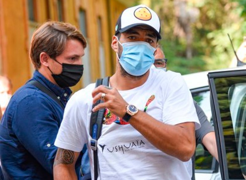 Luis Suárez viajó a Italia para realizar el examen (Foto: EFE)