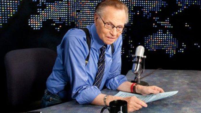 FOTO DE ARCHIVO: Larry King en su programa de entrevistas en la CNN