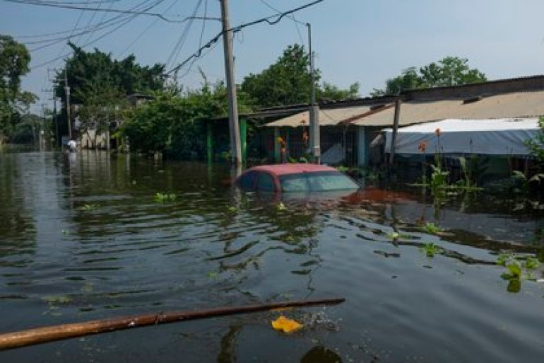 Floods seriously affect the state of Tabasco.  (AP Photo / Felix Marquez)