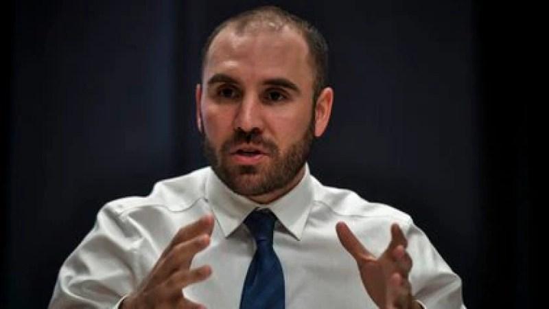 El ministro de Economía, Martín Guzmán, anticipó que las tarifas se ajustarían por inflación en 2021