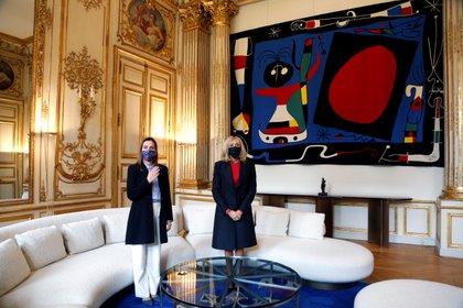 La reunión entre Beatriz Gutiérrez Müller y Brigitte Macron tuvo como objetivo fortalecer el intercambio cultural entre ambas naciones (Foto: Reuters)