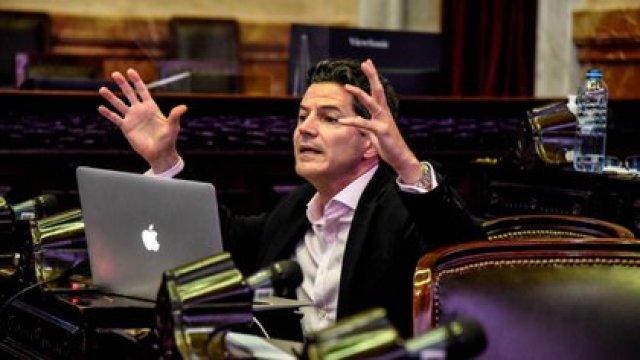 Luciano Laspina fue uno de los oradores de la noche, por parte de la oposición