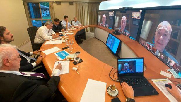 Alberto Fernández, en la última videoconferencia con gobernadores. La contención política es básica para la cuarentena.