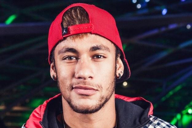 neymar pemain bola termahal ke-9