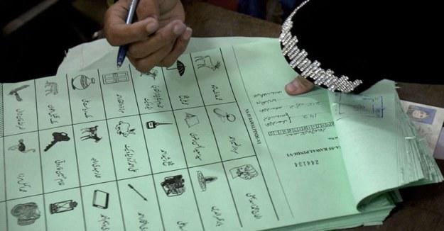 pakistan memiliki sejarah demokrasi cukup panjang