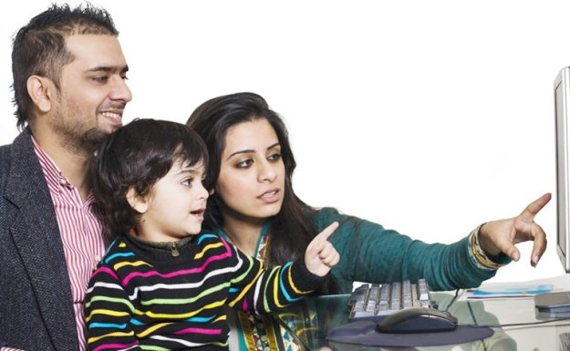 diskusi dengan keluarga adalah salah satu tips liburan hemat
