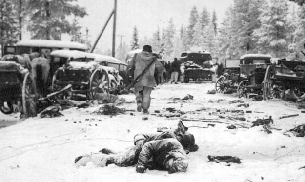 dalam perang dingin, simo hayha menjadi sniper terbaik sepanjang masa