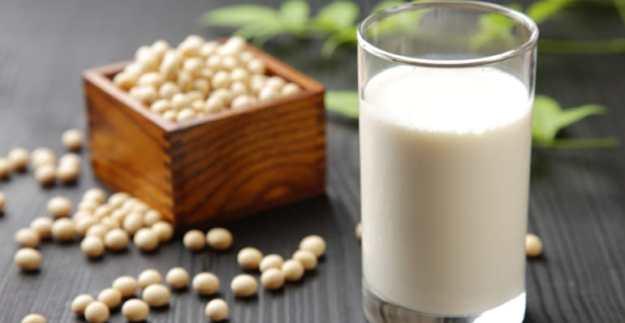 minum susu cair adalah salah satu cara mengatasi pedas pada mulut