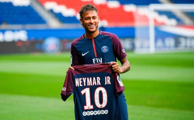 neymar jr Pemain Bola Termahal di Dunia 2017