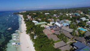 Alona Beach Tawala Bohol Philippines 010