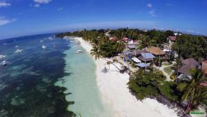 Alona Beach Tawala Bohol Philippines 013
