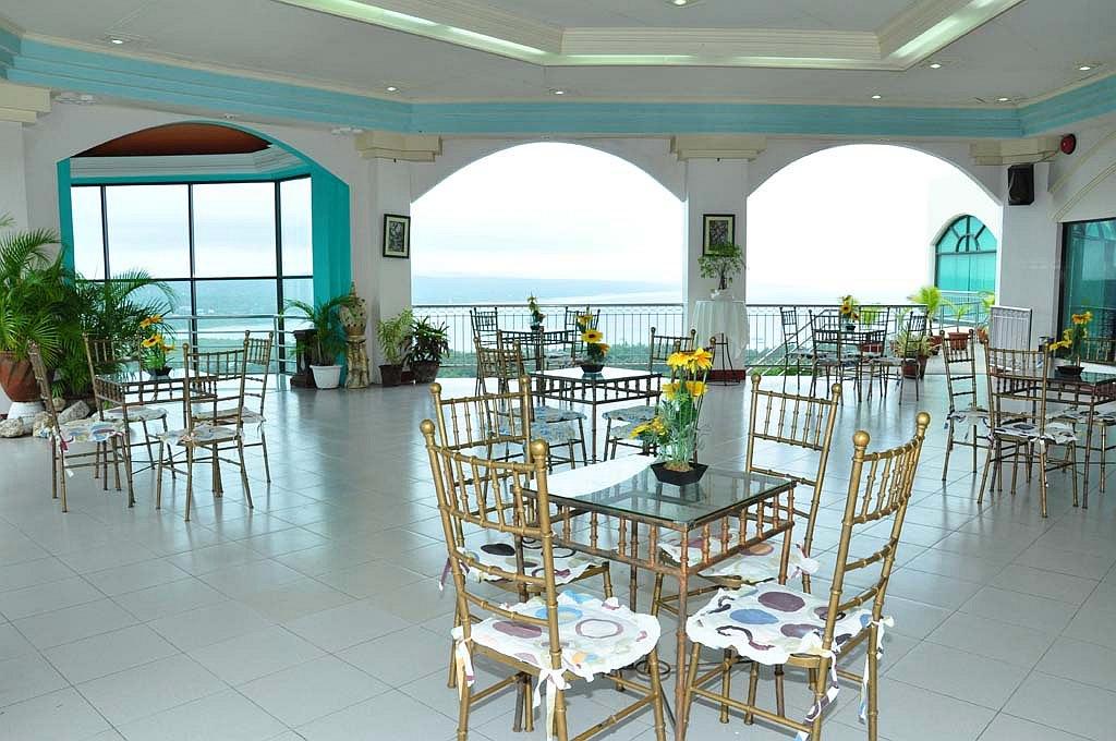 Bohol Plaza Resort and Restaurant, Mayacabac, Philippines