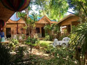 Discount Rates At The Domos Native Guest House, Panglao, Philippines! 001