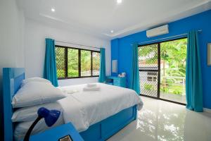The Bohol White House Bed And Breakfast, Lila, Philippines! 001